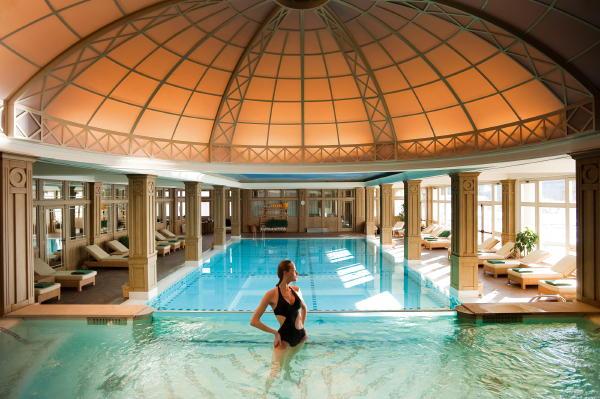 Pénzcsinálók - Marosvásárhelyen van Románia legjobb szállodája